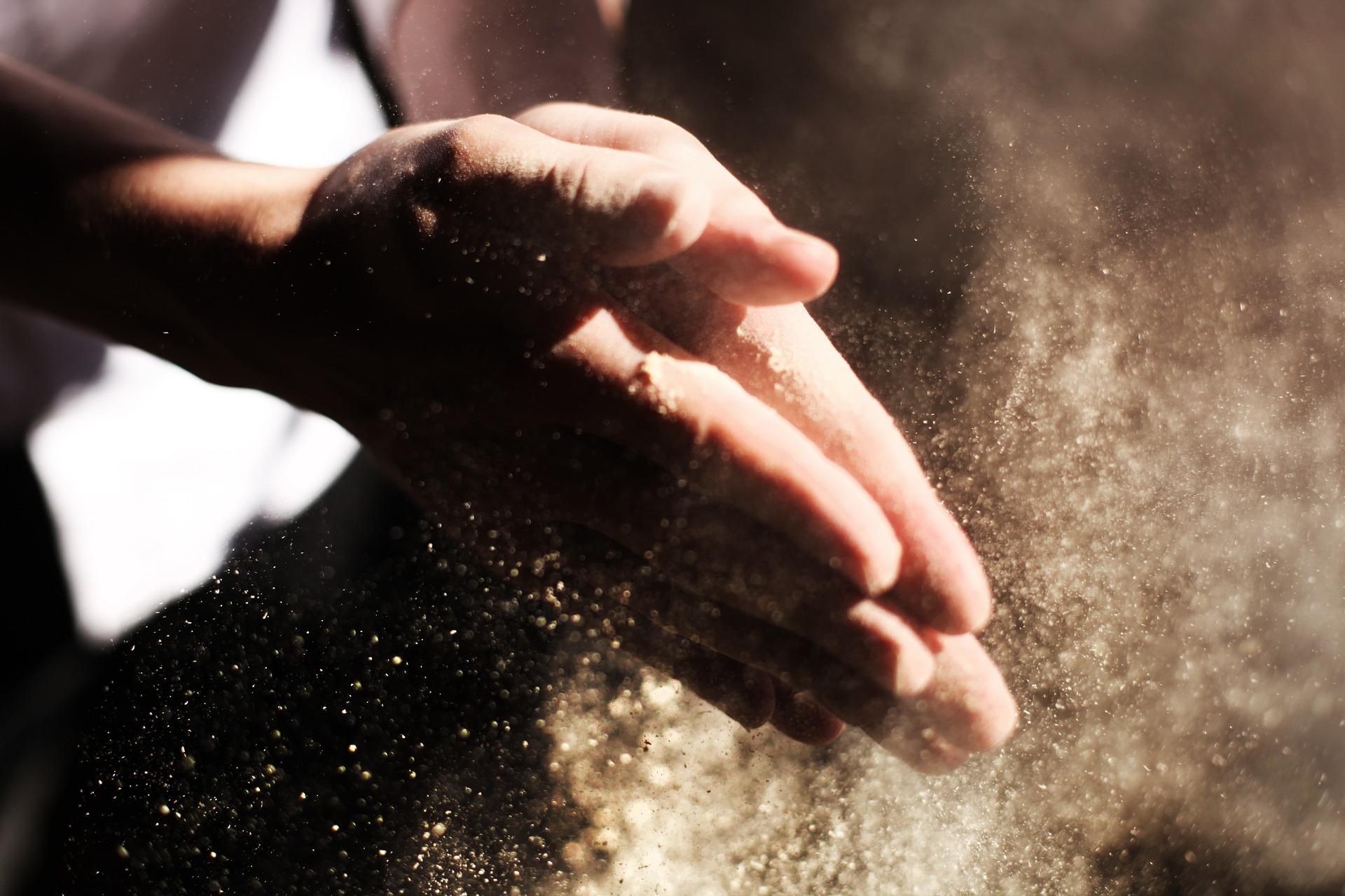 hands-731241_1920